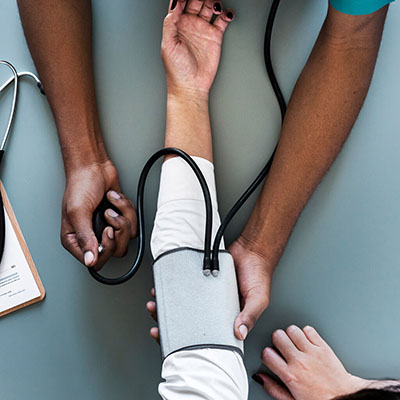Cuidados à Pessoa Dependente – Estratégias para Cuidadores Informais
